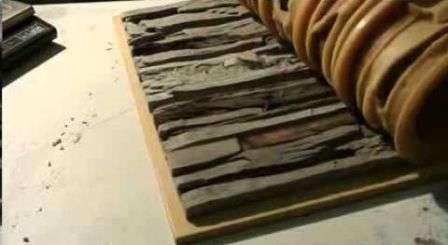 В производстве камня для декоративной отделки в первую очередь используется песок