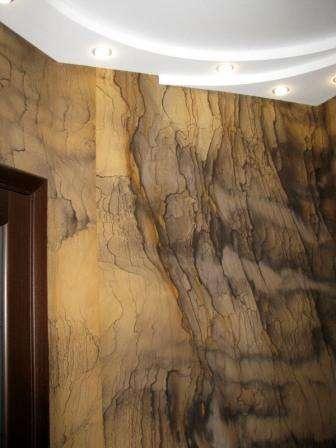гибкий камень в интерьере прихожей фото