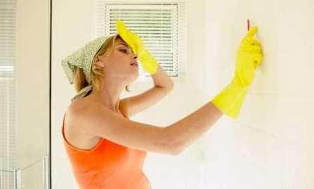 Как избавиться от черной плесени на стенах в квартире