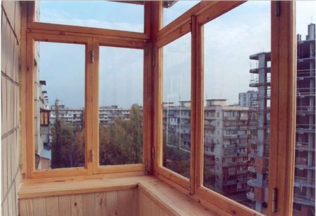 Как выполнить остекление балкона своими руками