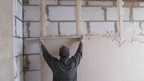 как штукатурить стены своими руками видео новичку