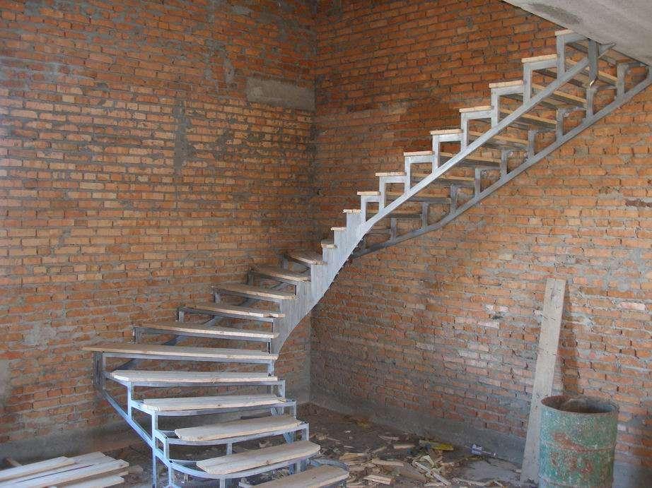 Лестницу в дом своими руками фото