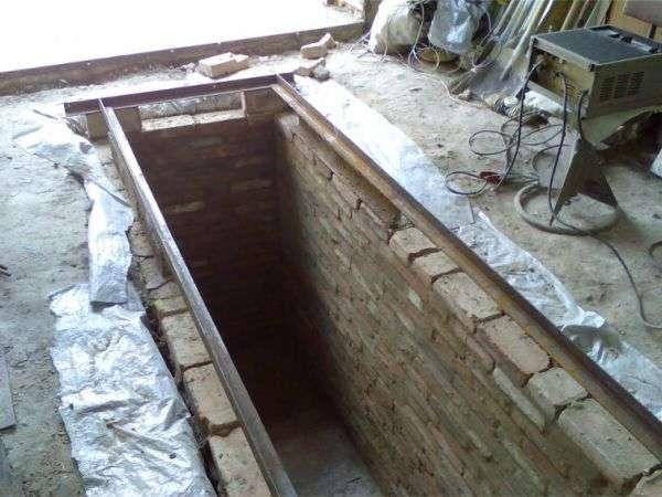 Как сделать смотровую яму в гараже от грунтовых вод 57