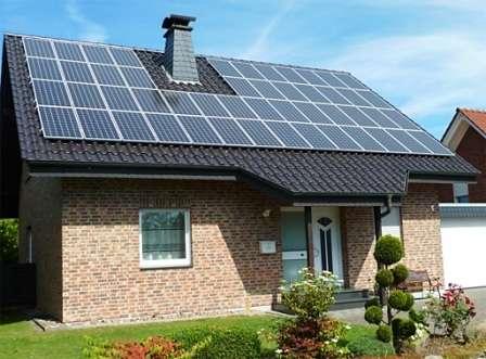 Рассмотрим преимущества и характеристики различных типов солнечных батарей, среднерыночную стоимость комплекта, особенности монтажа и эксплуатации автономных электростанций в частном доме.